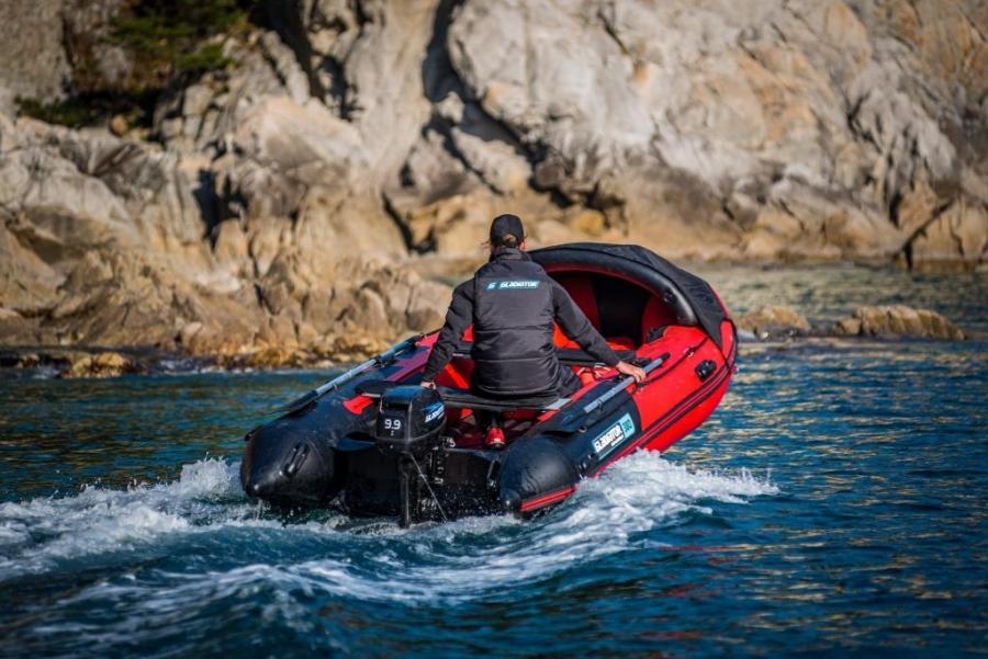 Лодка ПВХ c НДНД GLADIATOR E 380 Maxima